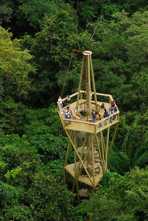 Discovery Center situado en Gamboa, Panam&aacute; donde desde una torre de avistamiento de 40 metros, se puede observar los colibr&iacute;es y mucha variedad de aves. <br /> <br /> El Panam&aacute; Rainforest Discovery Center se encuentra en el Pipeline Road en los l&iacute;mites de Parque Nacional Soberania a s&oacute;lo 40 min de la ciudad de Panam&aacute;.<br /> <br /> Es un proyecto de ecoturismo y educaci&oacute;n ambiental administrado por la Fundaci&oacute;n Avifauna Eugene Eisenmann, cuyo objetivo es la conservaci&oacute;n de las aves a trav&eacute;s de proyectos de sostenibilidad ambiental<br /> <br /> &copy;Alejandro Balaguer/Fundaci&oacute;n Albatros Media.