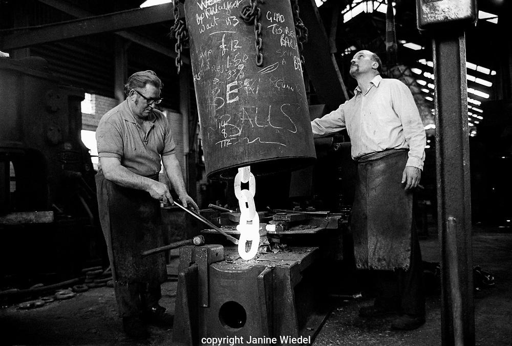 Chainmaker working on Bending Machine, Griffin Woodhouse Cradley Heath West Midlands UK