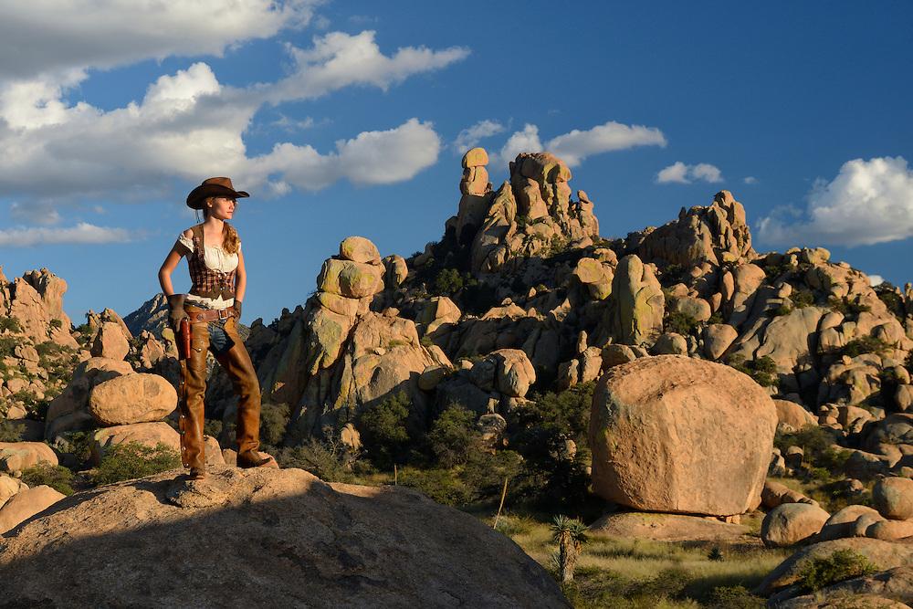 USA,Arizona,Dragoon Mountains, cowgirl fully released,0218