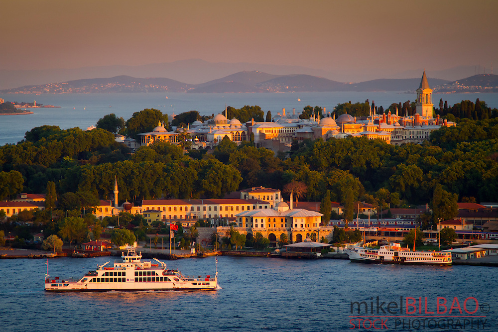 Topkapi Palace and Golden Horn.<br /> Istanbul, Turkey.