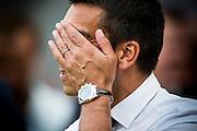 EINDHOVEN - PSV - Feyenoord , Voetbal , Seizoen 2015/2016 , Eredivisie , Philips Stadion , 30-08-2015 , Feyenoord trainer Giovanni van Bronckhorst durft niet meer te kijken en houd zijn handen voor zijn ogen