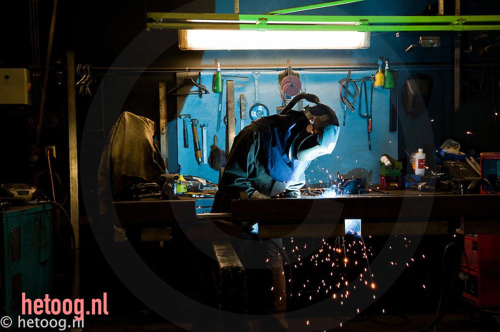 Nederland, Lochem,01feb2011 productiewerkzaamheden bij werkbankfabrikant SAFAN