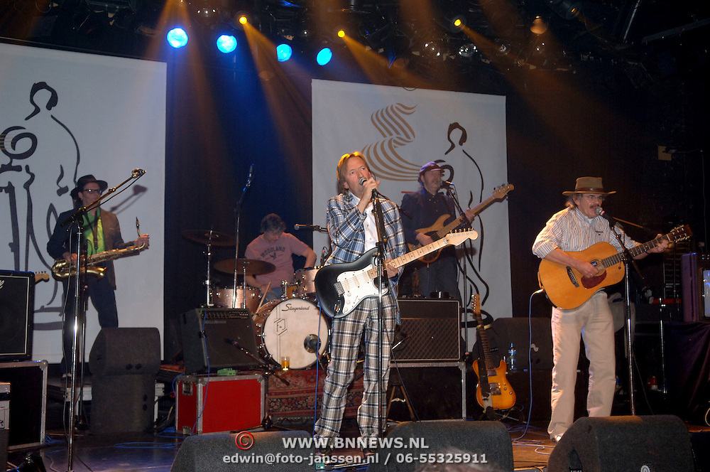 NLD/Amsterdam/20060315 - Uitreiking Edison 2006, optreden Normaal