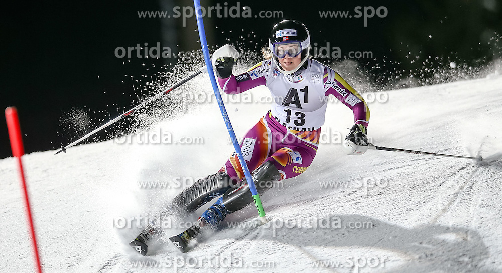 13.01.2015, Hermann Maier Weltcupstrecke, Flachau, AUT, FIS Weltcup Ski Alpin, Flachau, Slalom, Damen, 1. Lauf, im Bild Nina Loeseth (NOR) // Nina Loeseth of Norway in action during 1st run of the ladie's Slalom of the FIS Ski Alpine World Cup at the Hermann Maier Weltcupstrecke in Flachau, Austria on 2015/01/13. EXPA Pictures © 2015, PhotoCredit: EXPA/ Johann Groder