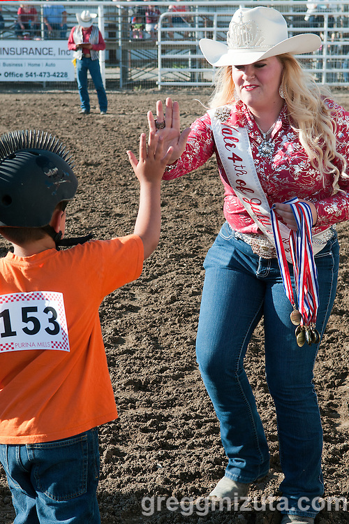 Queen Makayla Jamison,  Muttin Bustin'. Vale 4th of July Rodeo, Vale Rodeo Arena, Vale, Oregon, July 3, 2015.
