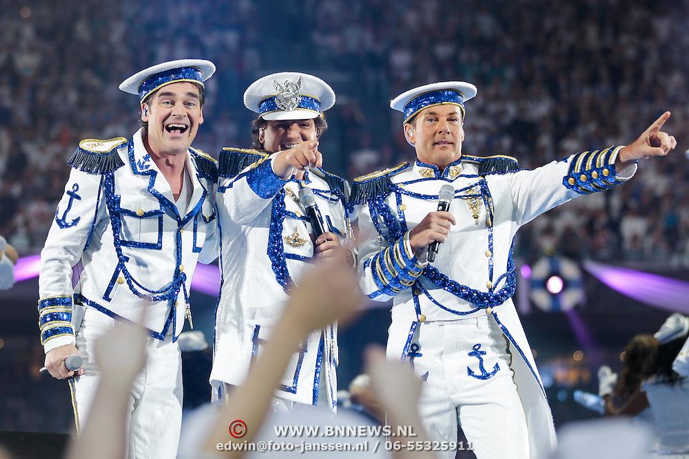 NLD/Amsterdam/20120519 - Toppers in Concert 2012, opkomst, Jeroen van der Boom, Gerard Joling en Rene Froger