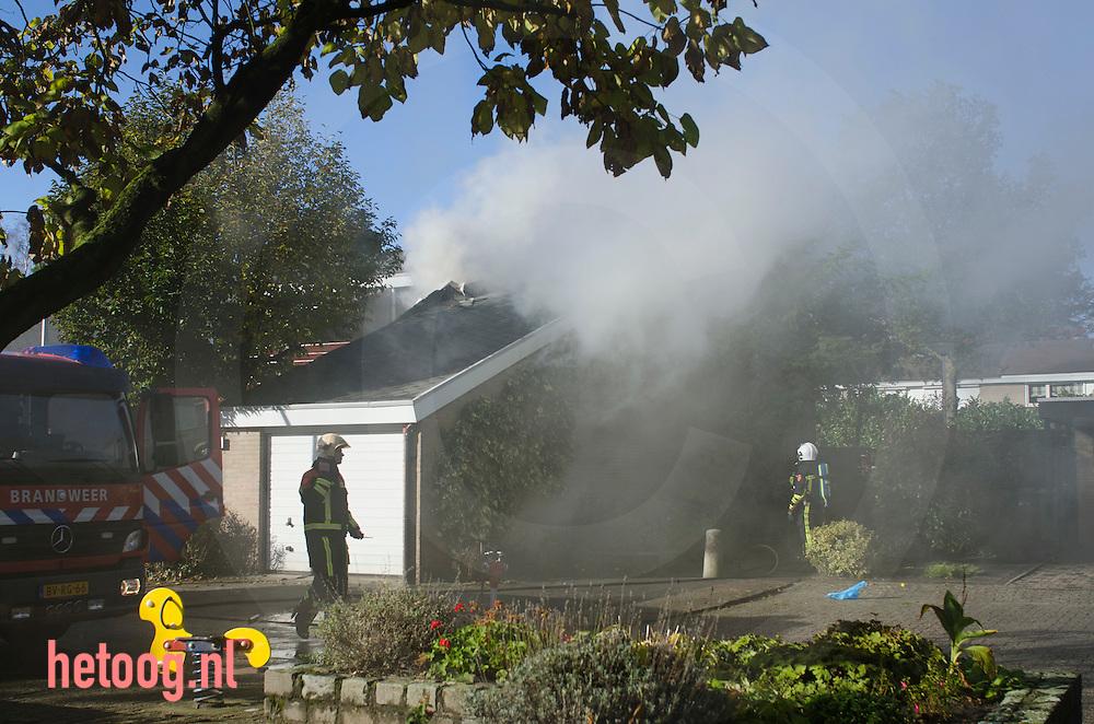 Nederland, Enschede 20okt2011 Bij het vervnieuwen van sanitair ontstond een binnenbrand aan de kolthofhorst in enschede.