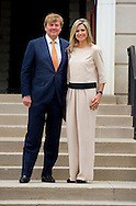 31-5-2015 WASHINGTON - King Willem-Alexander and Queen Maxima be greeted by Ambassador Bekink at the residence. The royal couple begins a three-day official visit. Official Visit to the Usa of King Willem Alexander and Queen Maxima of the Netherlands from 31 may till 4 june 2015 . COPYRIGHT ROBIN UTRECHT