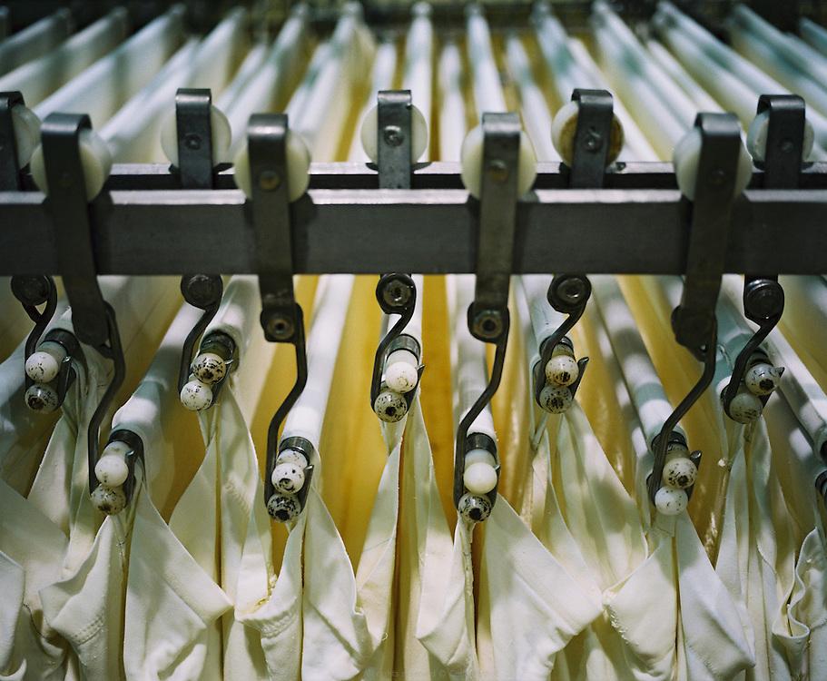 Sèvre & Belle, coopérative laitière établie à la Celles-sur-Belle depuis 1893. Fabrication de fromage de chèvre et de beurres. Poitou-Charentes Automne 2010.
