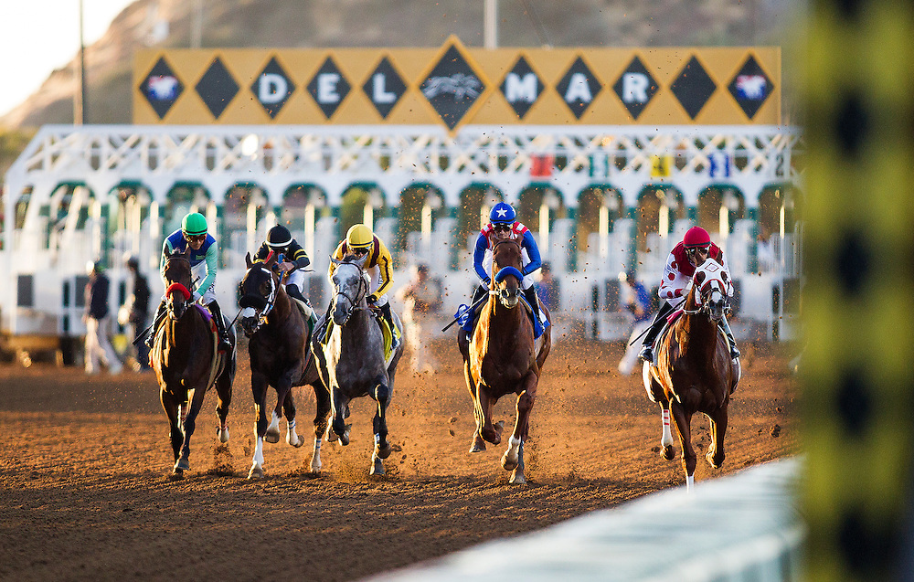 November 28, 2015:  Dortmund with Gary Stevens up wins the Native Diver Stakes at Del Mar Race Track in Del Mar, California. Evers/ESW/CSM