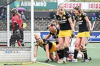 AMSTERDAM - Amsterdam - Den Bosch , Wagener Stadion , Hockey , Play-off hoofdklasse hockey , 03-05-2015 , Den Bosch speelster Vera Vorstenbosch schreeuwt het uit na het doelpunt van teamgenoot Margot van Geffen (l)