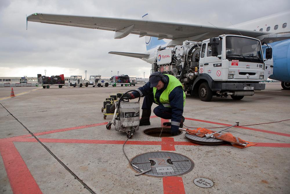 aéroport de paris orly - pétrolier