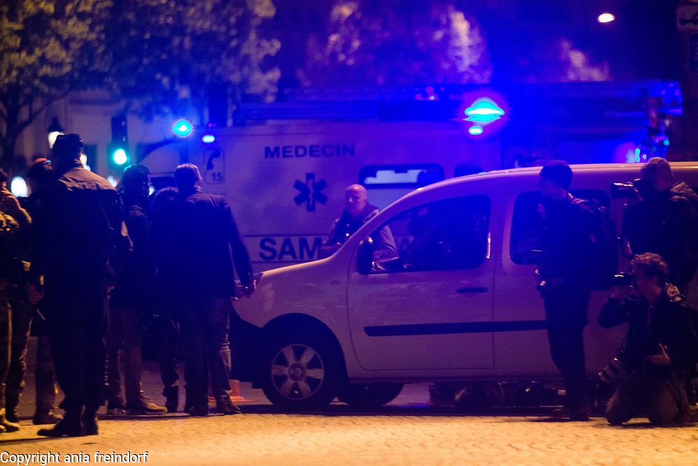 Terror Attack Champs Elysee, police officer and suspect shot dead on Champs Elysees in attack claimed by Islamic State, one tourist woman injured, another french police officer badly injured, Paris, France, journalists covering