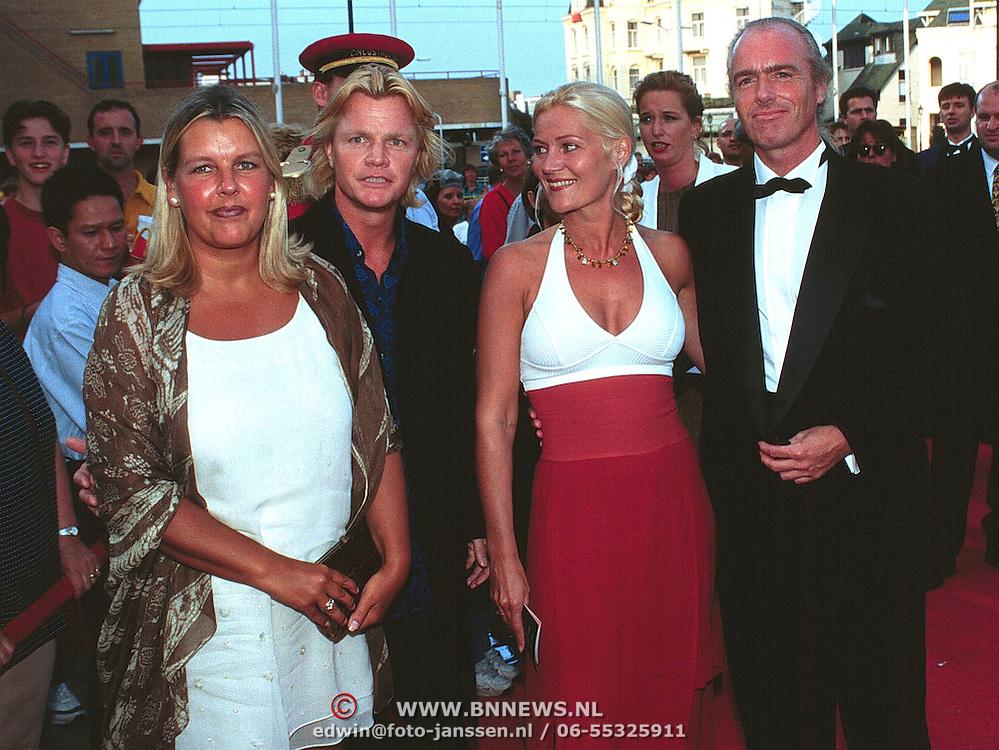 Premiere Batman Scheveningen, Rob Bolland met zijn vrouw Margo de Looze en Ferdi met zijn vrouw Marion Mulder