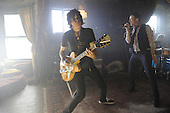 4/15/2010 - Stone Temple Pilots Video - Between the Lines