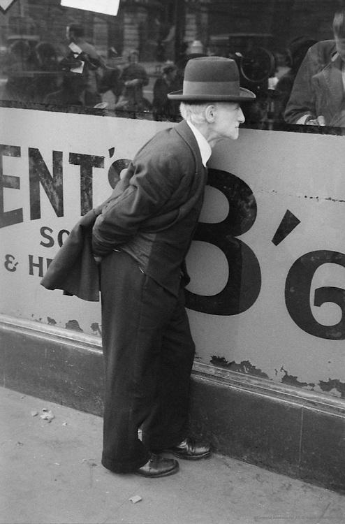 Pillerasal Lane, London, 1945