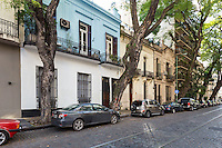 CASA ANTIGUA AMUEBLADA DE DOS DORMITORIOS CON TERRAZA Y ENTRADA INDEPENDIENTE EN EL BARRIO DE PALERMO, CIUDAD AUTONOMA DE BUENOS AIRES, ARGENTINA (PHOTO BY © MARCO GUOLI - ALL RIGHTS RESERVED)