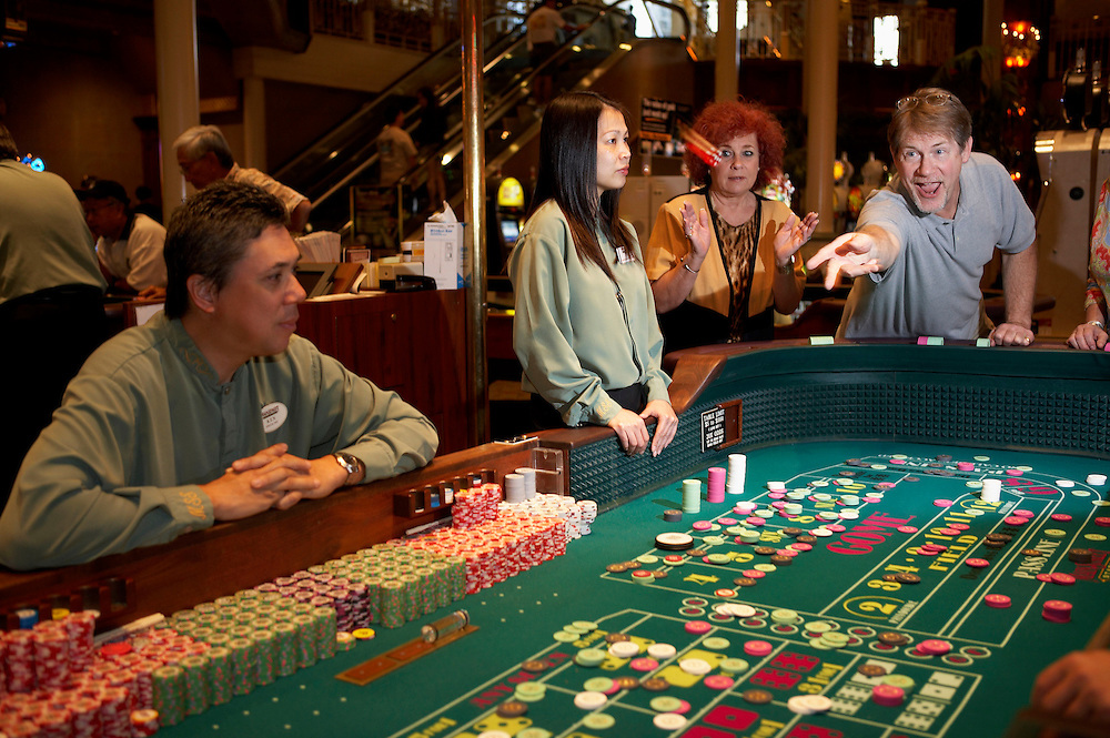 how to play craps in vegas youtube