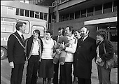 1979 - Marathon walking team arrive home from Rome (M54)