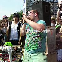 Dan Deacon.@Helio and JellyNYC Pool Party.7/8/07....©Anna DiNardo-Smith/Photopass.