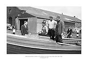 24 Meitheamh 1959<br /> B&aacute;id iascaireachta as Carna, Co. na Gaillimhe, ag teacht i dt&iacute;r sa Rinn, Baile &Aacute;tha Cliath. <br /> <br /> Lobster Fishing Boats from Carna, Galway arrive at Ringsend, Dublin