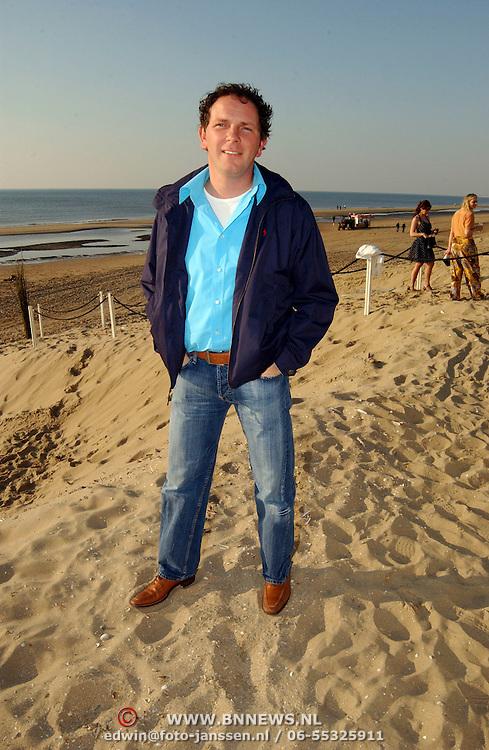 Beachclub Vroeger bestaat 1 jaar, Robert Leroy
