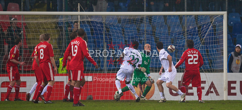 BUCHAREST, ROMANIA - Thursday, February 25, 2010: FC Unirea Urziceni's Bruno Fernandes scores the opening goal against Liverpool during the UEFA Europa League Round of 32 2nd Leg match at the Steaua Stadium. (Photo by David Rawcliffe/Propaganda)