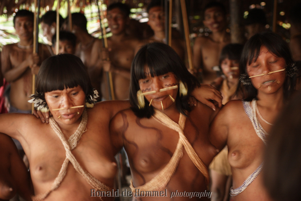 amazonian naked lost tribe dancing