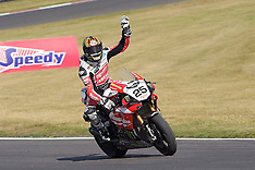 R6 MCE British Superbikes Brands Hatch GP Circuit 2015