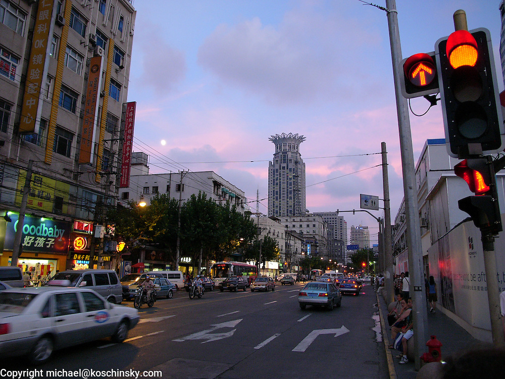 Evening at Shanghai, street scene in the blue hour