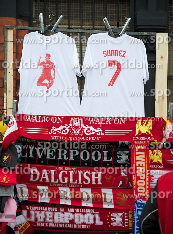 26.11.2011, Anfield Stadion, Liverpool, ENG, PL, FC Liverpool vs Blackburn Rovers, 18. Spieltag, im Bild Liverpool t-shirts featuring Luis Alberto Suarez Diaz on sale from a street vendor before the football match of English premier league, 18th round, between FC Liverpool and Blackburn Roversat Anfield Stadium, Liverpool, United Kingdom on 2011/12/26. EXPA Pictures © 2011, PhotoCredit: EXPA/ Propagandaphoto/ David Rawcliff..***** ATTENTION - OUT OF ENG, GBR, UK *****
