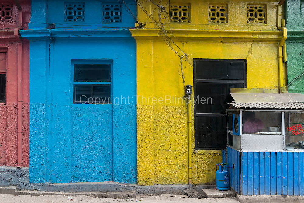 The painted walls on Hultsdorf Street.<br /> Hotel Iqbal on the corner of Hultsdorf Street in Colombo 12.