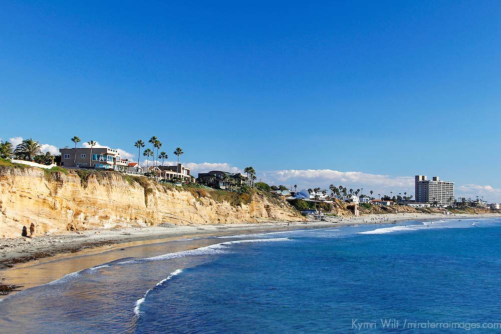 USA, California, San Diego. San Diego coastline cliffs north of Pacific Beach.