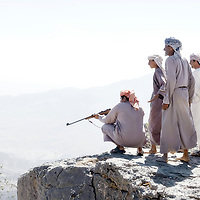 USE ARROWS &larr; &rarr; on your keyboard to navigate this slide-show<br /> <br /> Jabal El Shams mountains, Sultanate of Oman, 27 November 2008.<br /> Omani beduins hunting.<br /> Photo: Ezequiel Scagnetti
