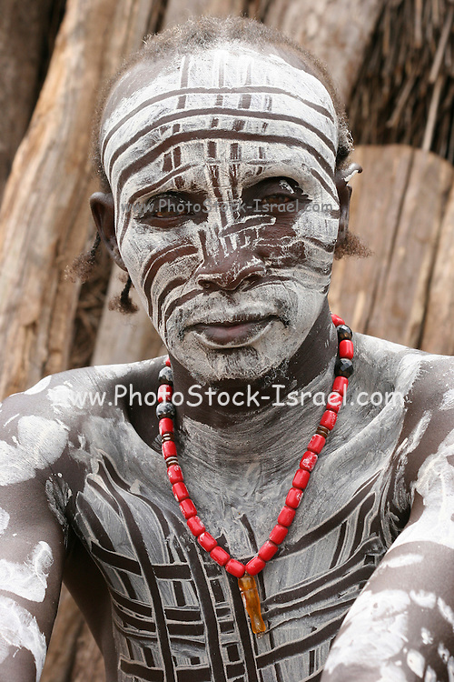 Africa, Ethiopia, Omo Valley, Karo tribesmen warrior