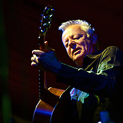 Tommy Emmanuel / The Hillbenders