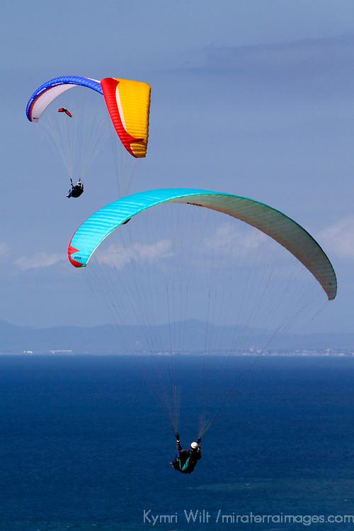 USA, California, San Diego. Torrey Pines Paraglider Party.