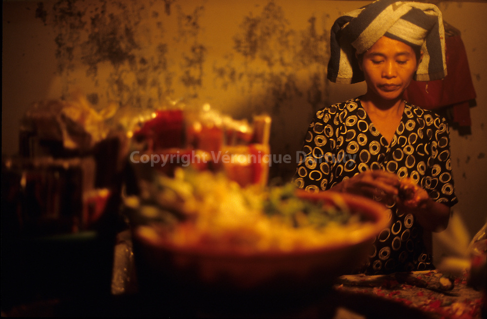 Life in Bali, Indonesia : Sanur night market //  le marché de nuit à Sanur, Bali, Indonésie