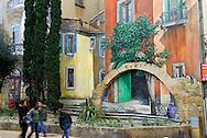 France, Languedoc Roussillon, Hérault (34), Montpellier, Place Edouard Adam, peinture murale, contact artistes, Mad'art tel, 0467854578