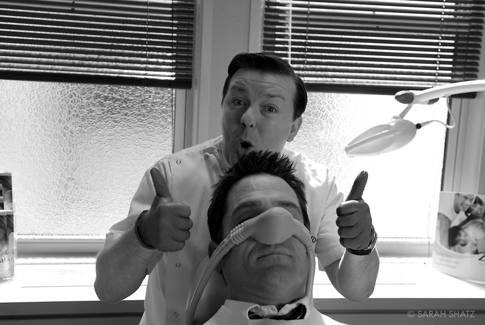 """Ricky Gervais, Billy Campbell on the set of """"Ghost Town"""" (Dir: David Koepp, 2008)"""