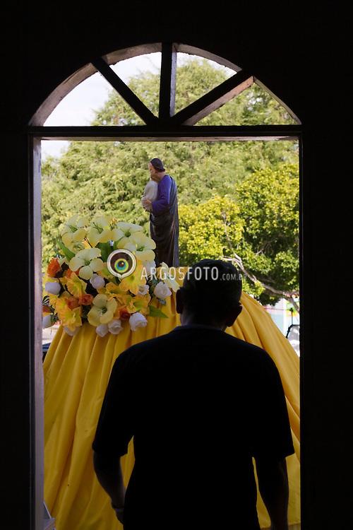 A municipio de Olho D'Agua do Casado no sertao alagoano. Festa do Divino Sao Jose / Olho d'Água do Casado is a municipality located in the western of the Brazilian state of Alagoas. Preparatives for  Saint Jose procession.Foto Marcos Issa