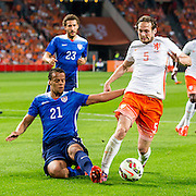 AMSTERDAM - Nederland - USA , Amsterdam ArenA , Voetbal , oefeninterland , 05-06-2015 , Nederlands elftal speler Daley Blind (r) in duel met Verenigde staten speler Timmy Chandler (l)