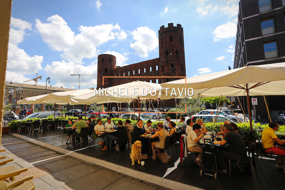 Porta Palatina a Torino vicinissima al mercato  Porta Palazzo