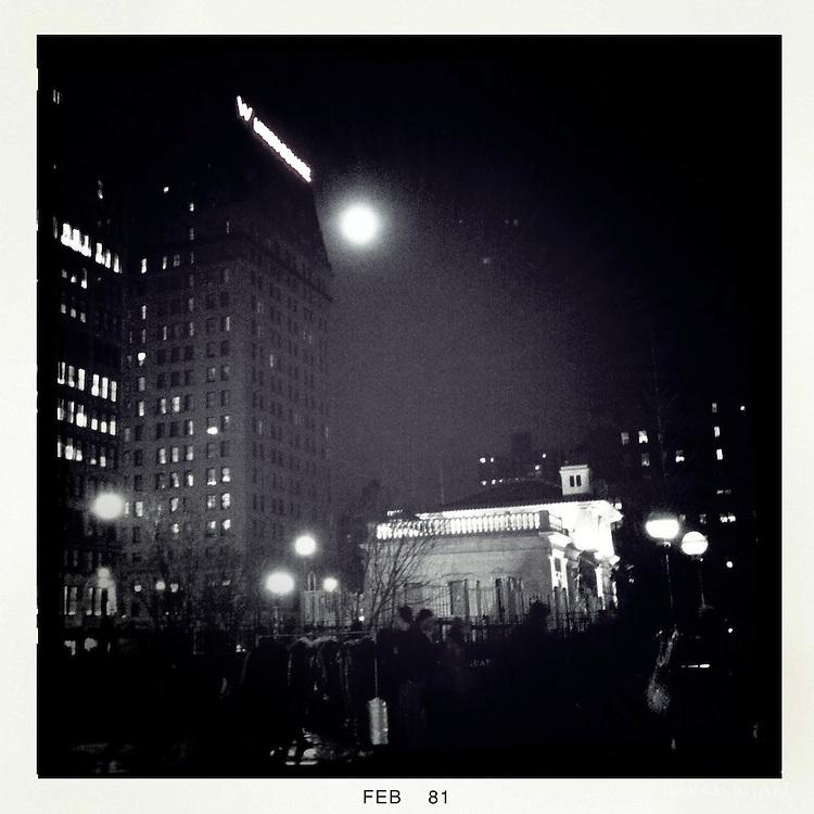 Full moon, Union Square