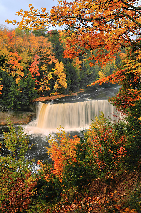 Upper Tahquamenon Falls,<br />