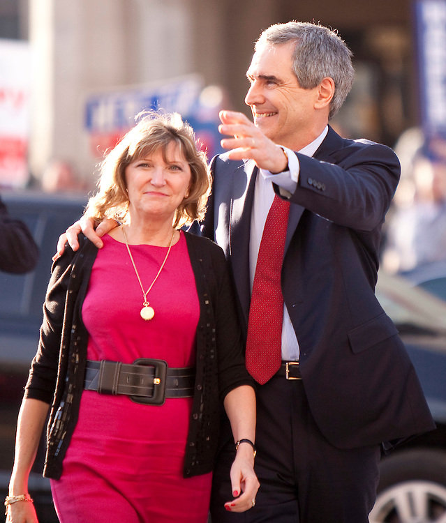 Liberal leader Michael Ignatieff and his wife Zsuzsanna Zsohar  arrive for the english language debate in Ottawa, Ontario April 12, 2011.<br /> AFP/GEOFF ROBINS/STR