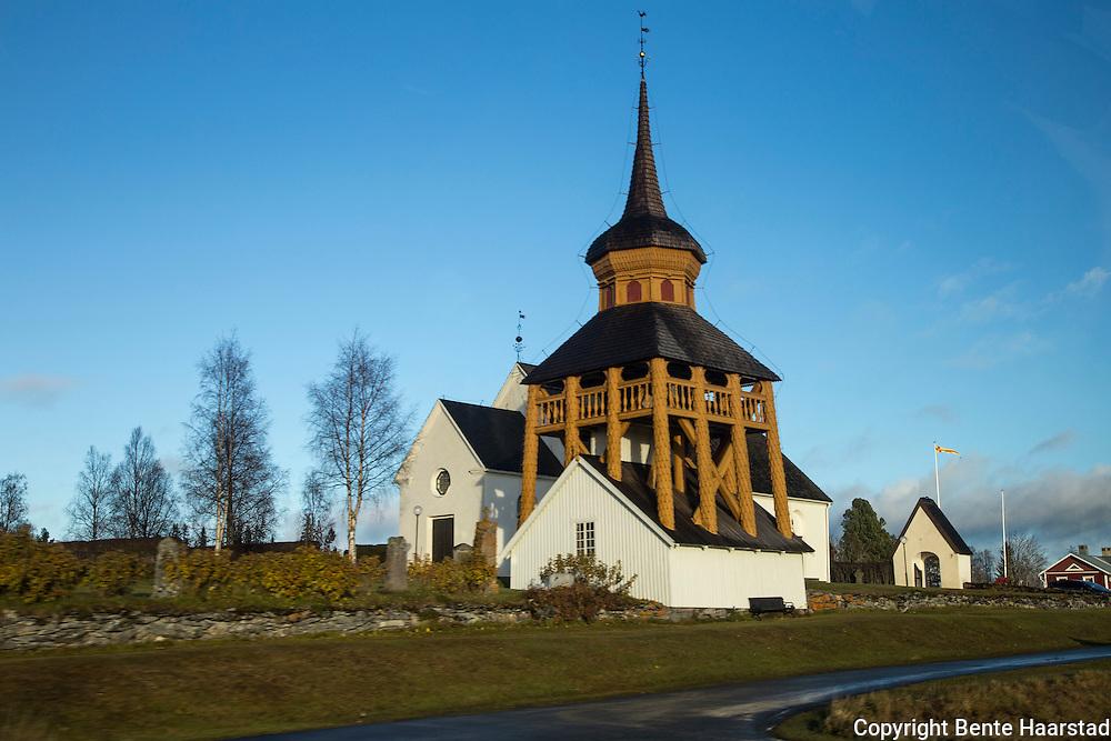 Mattmars kyrka, mellom Åre og Østersund, är en kyrkobyggnad i Mattmar. Den är församlingskyrka i Västra Storsjöbygdens församling i Härnösands stift. Mattmars kyrka har medeltida ursprung och består av långhus med tresidigt kor i öster. Norr om koret finns en vidbyggd sakristia och vid långhusets västra kortsida finns ett vidbyggt vapenhus. Medeltida murverk finns i långhusets västra, södra och norra väggar. Alla byggnadsdelar har vitputsade väggar och spånklädda tak. På samma plats där nuvarande kyrka ligger fanns en stavkyrka som uppfördes vid slutet av 1000-talet och som brann ner i början på 1300-talet. Nuvarande stenkyrka uppfördes någon gång på 1300-talet. 1701 uppfördes ett vapenhus av trä vid västra gaveln dit huvudingången flyttades. Tidigare ingång fanns vid södra långhusväggen och ersattes med ett fönster. Under 1760-talet förlängdes kyrkan åt öster och fick sin nuvarande tresidiga koravslutning. Koret förenades med kyrkorummet och en separat sakristia byggdes vid norra muren. Fram till 1700-talet var kyrkklockorna inrymda i ett torn ovanpå kyrktaket som därefter ersattes av en klockstapel. Åren 1887-1888 uppfördes ett nytt vapenhus av trä. Nuvarande vapenhus av sten tillkom 1938. 1765 byggdes nuvarande klockstapel av byggmästaren Pehr Olofsson i Dillne, Oviken. En tidigare stapel var från 1732. 2004 restaurerades klockstapeln som återfick en tidigare färgsättning i ockragult, rött och vitt. I stapeln hänger två klockor. Lillklockan göts om 1750 av Daniel Flodström i Sala. Storklockan göts om 1803 av Esaias Linderberg i Sundsvall.