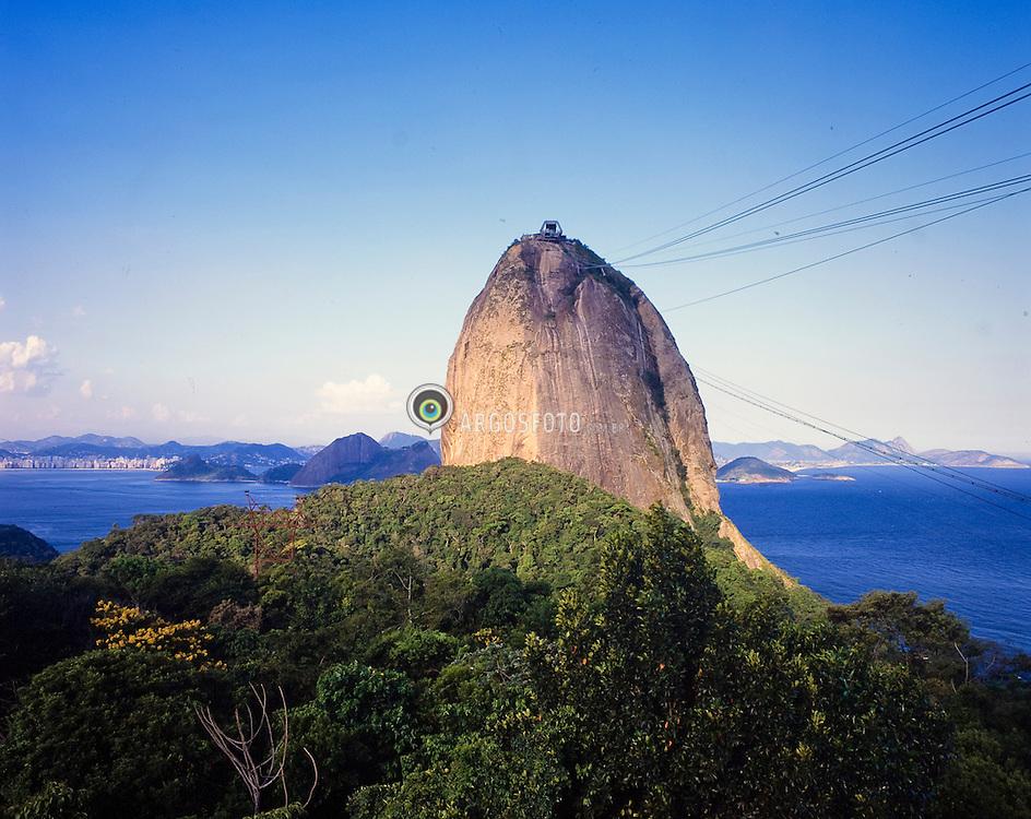 Morro do Pao de Acucar no Rio de Janeiro. Brasil / Sugarloaf Mountain inRio de janeiro. Brazil