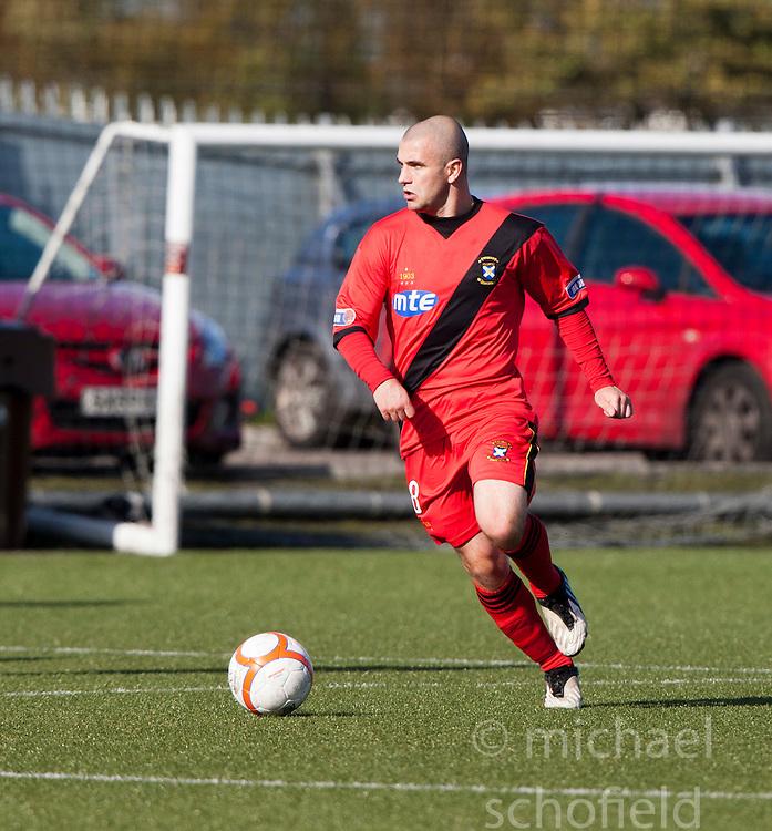 East Fife's Darren Smith..Stenhousemuir 2 v 1 East Fife, 24/9/11..©Pic : Michael Schofield.