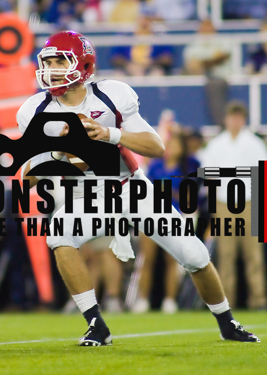 Duquesne QB (#6) Sean Patterson in the 2nd quarter at Delaware Stadium in Newark Delaware. Delaware defeated Duquesne 30-6
